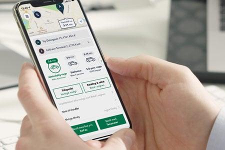 Bestil din taxa til en fast pris uden overraskelser i taxi appen fra TAXA 4x35