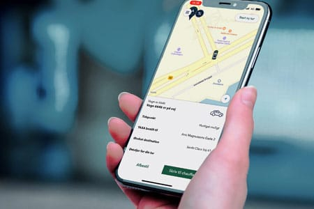 Følg din taxa på kortet i appen imens du venter på vognen